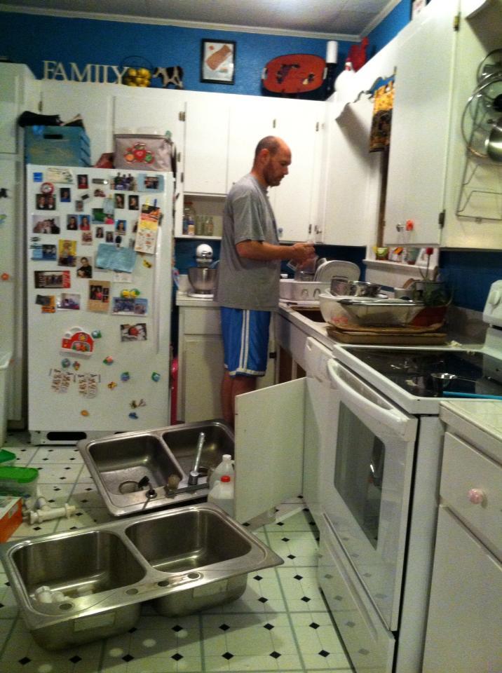 Kitchen Sink In Deep Sitting Counter